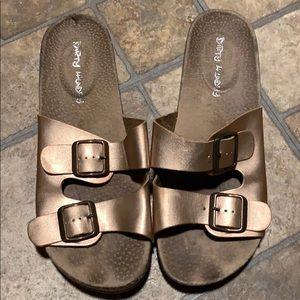 Women's wedge sandals. Bronze in color
